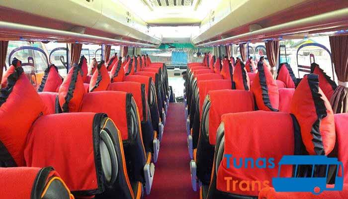 Interior Harga Sewa Bus Pariwisata di Blitar Murah Terbaik