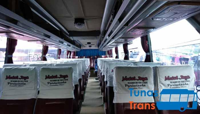 Interior dan Daftar Harga Sewa Bus Pariwisata di Bogor murah terbaik